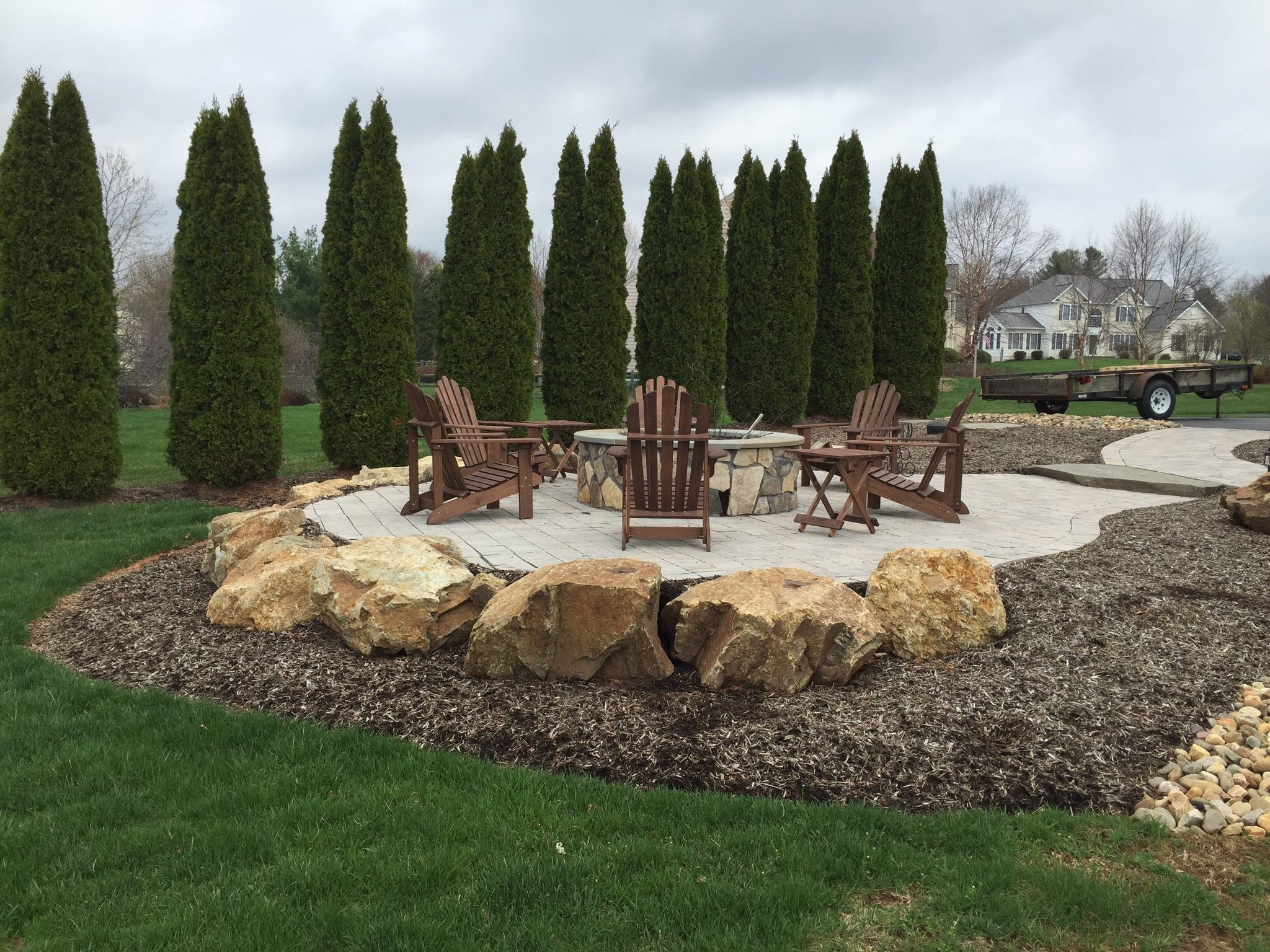warren-custom-patio-boulders